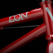 2018_eon_xl_red_headtube